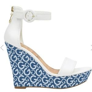 Sundress approved! Guess wedges